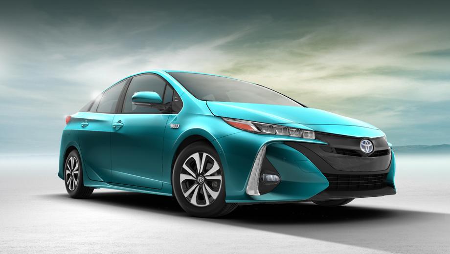 Toyota prius. Как выглядит автомобиль анфас, мы знали благодаря прошлогодней утечке изображений. А теперь появилась возможность рассмотреть машину со всех сторон и узнать о её начинке.