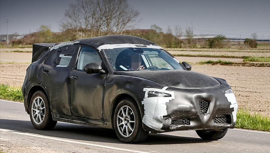 Alfaromeo stelvio. Зная, как концерн FIAT долго запрягает, наивно ждать, что реализация серийных кроссоверов Alfa Romeo Stelvio начнётся раньше 2017 года. Покупателям предложат бензиновые турбомоторы 2.0 MultiAir и наддувные дизели 2.2 и V6 3.0.