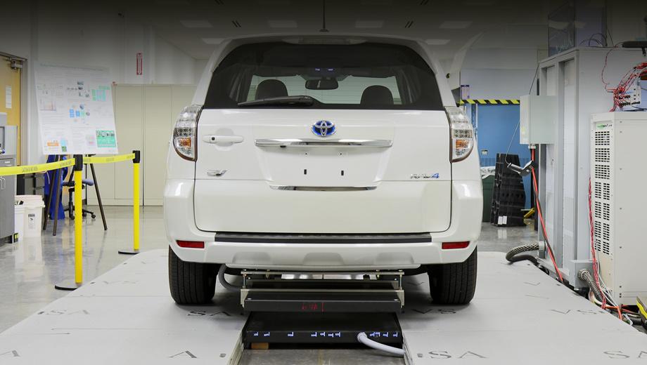 Toyota rav4. Устройство было испытано на борту электрического паркетника Toyota RAV4, снабжённого дополнительной батареей на 10 кВт•ч.