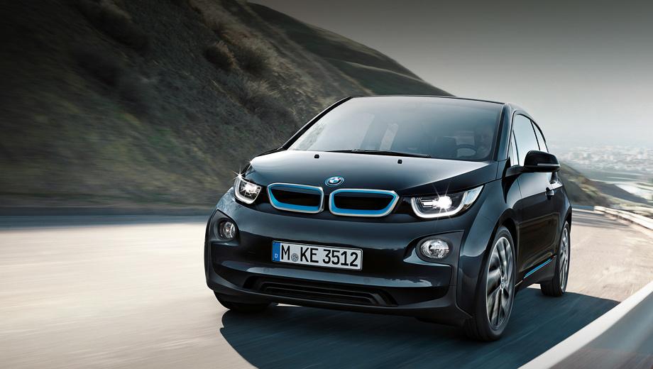 Bmw i3. Благодаря тому, что размеры самой батареи остались прежними, владельцы BMW i3 могут проапгрейдить свой автомобиль, поменяв старый аккумулятор на новый.