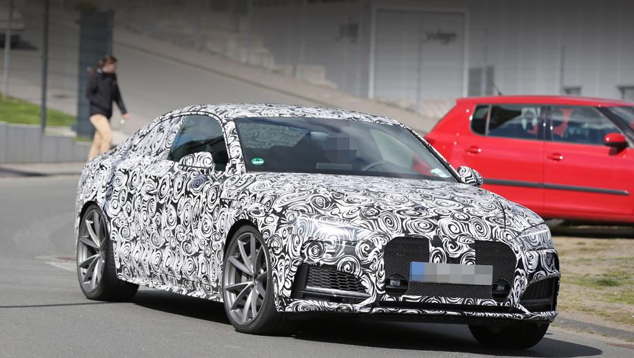 Audi a5,Audi rs5,Audi q3. Одно из ключевых изменений, по сравнению с эс-версией и простым купе, — расширенная колея, а следовательно, и увеличенные колёсные арки. Воздухозаборники по традиции самые большие в линейке ингольштадтских «пятёрок».