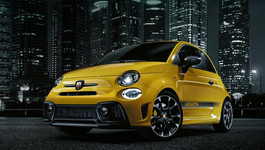 Fiat 500,Fiat 500 abarth,Fiat 595 abarth. Машина обута в 17-дюймовые литые колёсные диски Granturismo. Хэтчбек выйдет на европейский рынок в июне.