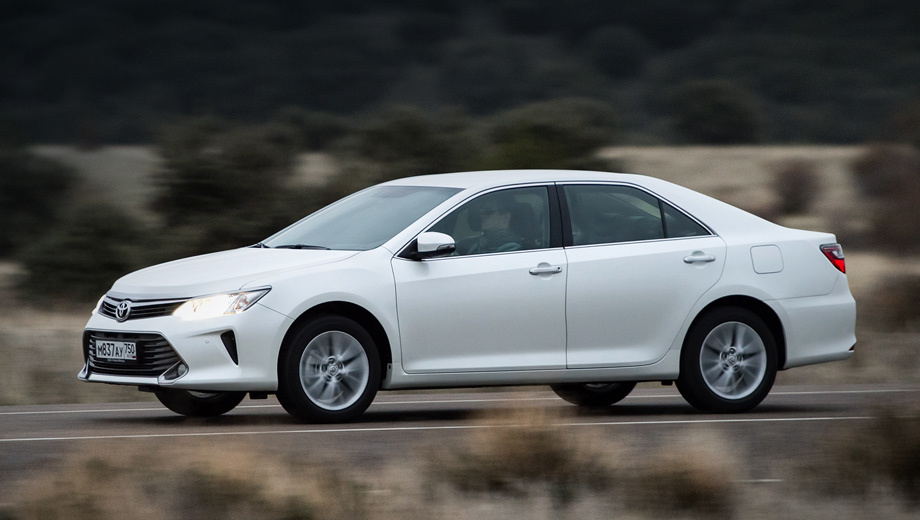 Toyota camry,Lexus es. В рамках отзывной кампании на дефектных автомобилях будет обновлён софт блока управления двигателем.
