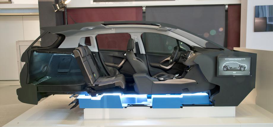 electric vehicle PSA