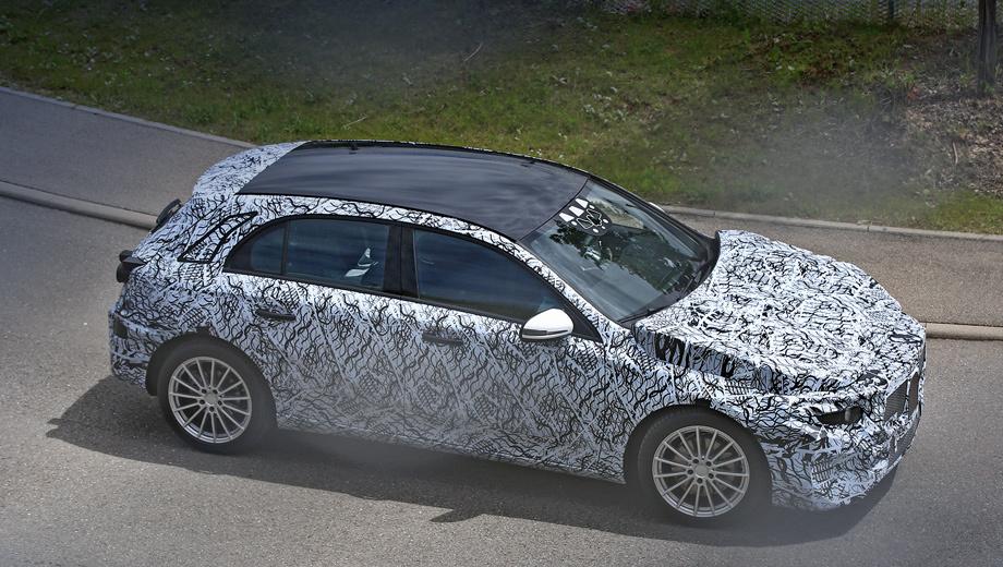 Mercedes a. По слухам, публичный дебют машина справит во Франкфурте осенью 2017 года, а в продажу поступит не раньше 2018-го.
