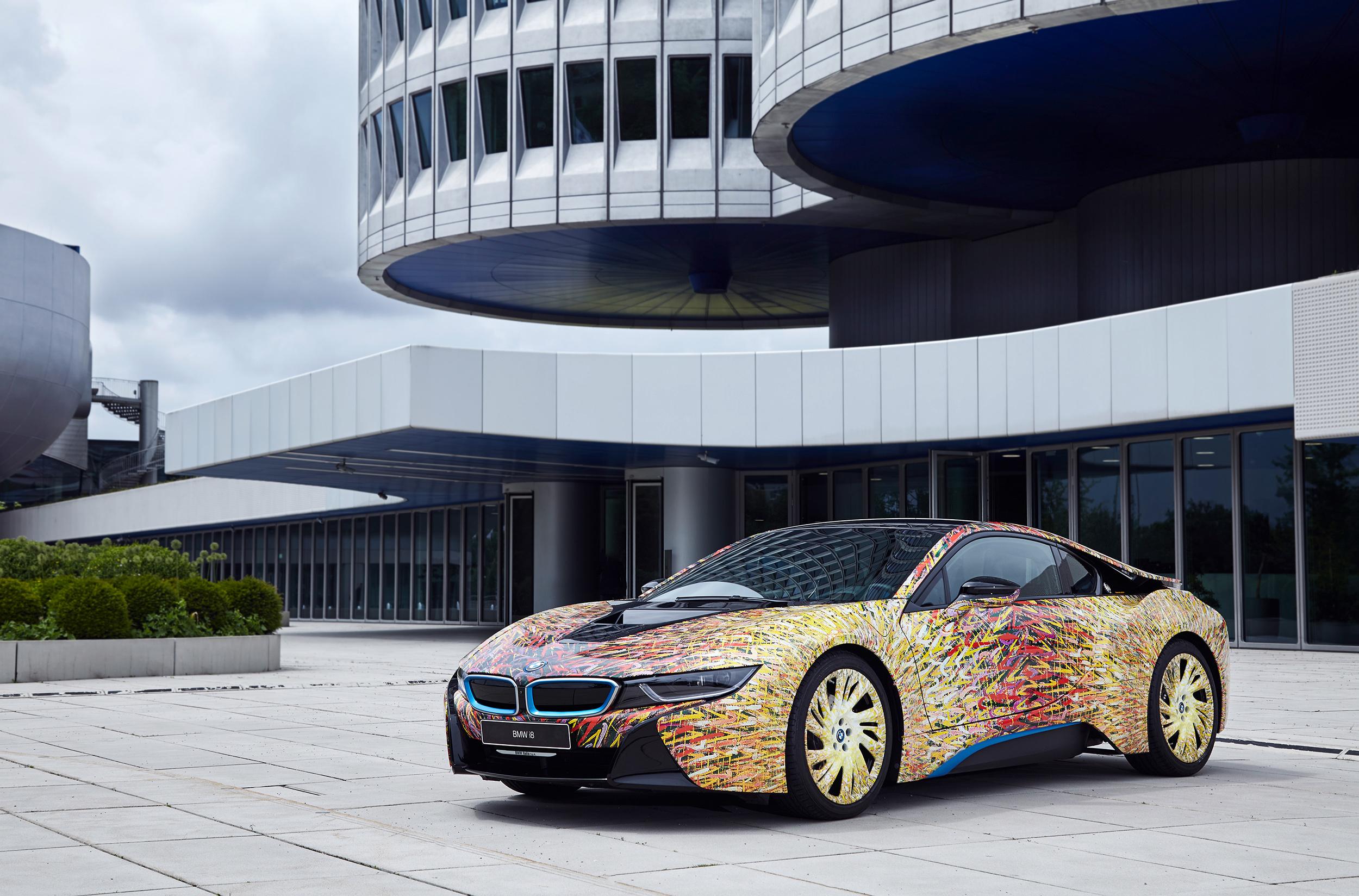 Концепт BMW i8 Futurism Edition скрасил юбилей марки в ...