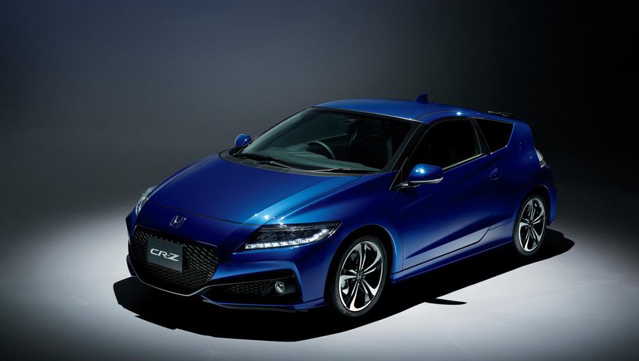 Honda cr-z. Издание Final Label может быть окрашено в эксклюзивный синий «металлик» (на фото) или в четыре других цвета, есть варианты с чёрной крышей. Предлагаются 17-дюймовые легкосплавные диски особенного дизайна. Вот и все внешние отличия.