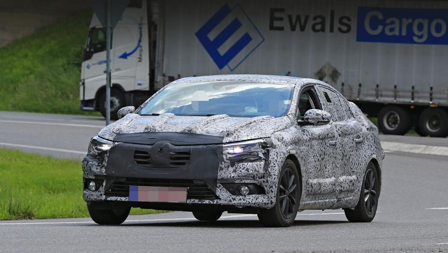 Renault megane,Renault fluence. В маскировке передней части особой нужды нет: едва ли нос седана будет отличаться от пятидверки.