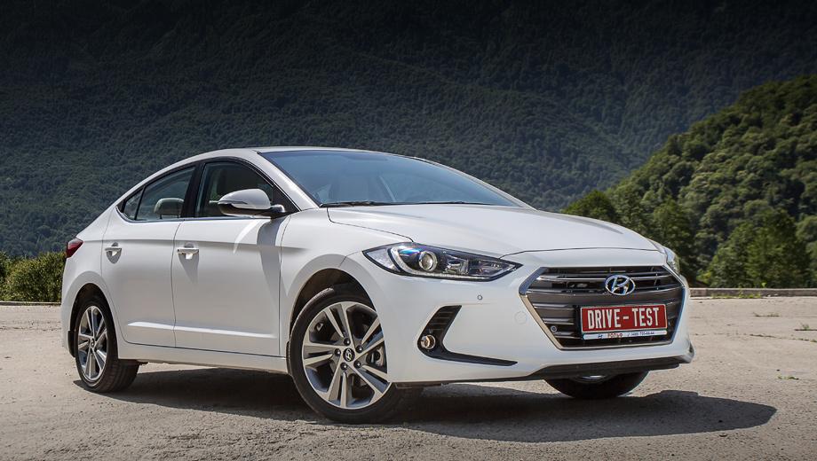 Hyundai elantra. Продажи Элантры шестого поколения в России уже начались. На выбор предлагаются два бензиновых мотора, два вида коробок передач и четыре комплектации. Цены — от 899 900 до 1 199 900 рублей.