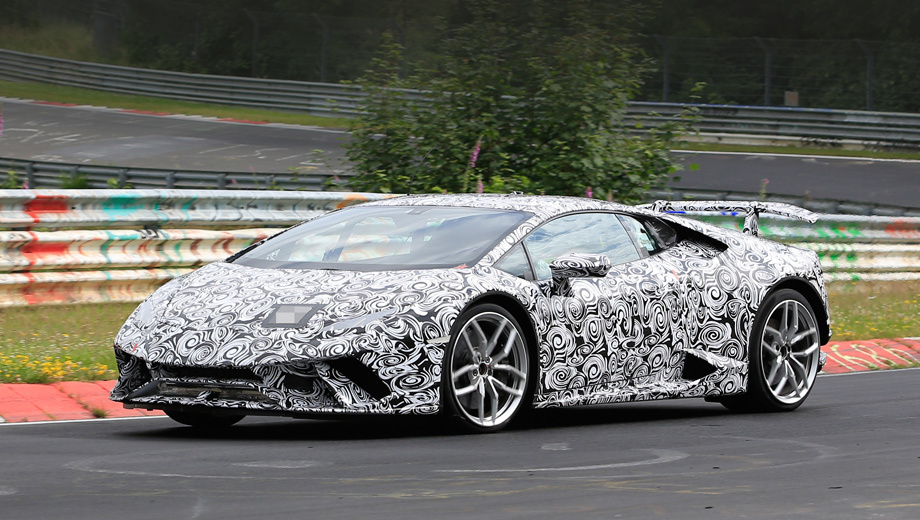 Lamborghini huracan,Lamborghini huracan superleggera. Сплиттер опущен ниже обычного, в бампере появились новые перегородки.