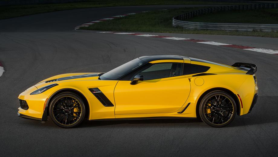 Chevrolet corvette. Один из самых интересных Корветов — Z06 C7.R Edition, посвящённый гоночной модели C7.R. Тут ливрея, подражающая окраске боевой машины, пакет Z07 Performance с углеродокерамическими тормозными дисками, номерные таблички и тираж всего 500 штук.