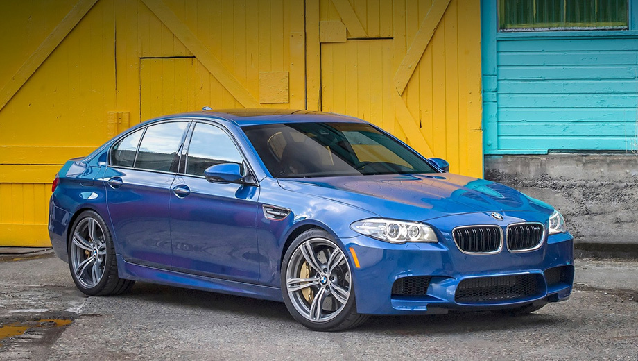 Bmw m5,Bmw m6. Пока под отзыв попало 956 автомобилей (543 седана BMW M5, 82 купе и 99 кабриолетов BMW M6 и 232  BMW M6 Gran Coupe). Все они реализованы на территории Северной Америки. По данным NHTSA, уже было зафиксировано девять проблемных случаев с карданным валом.