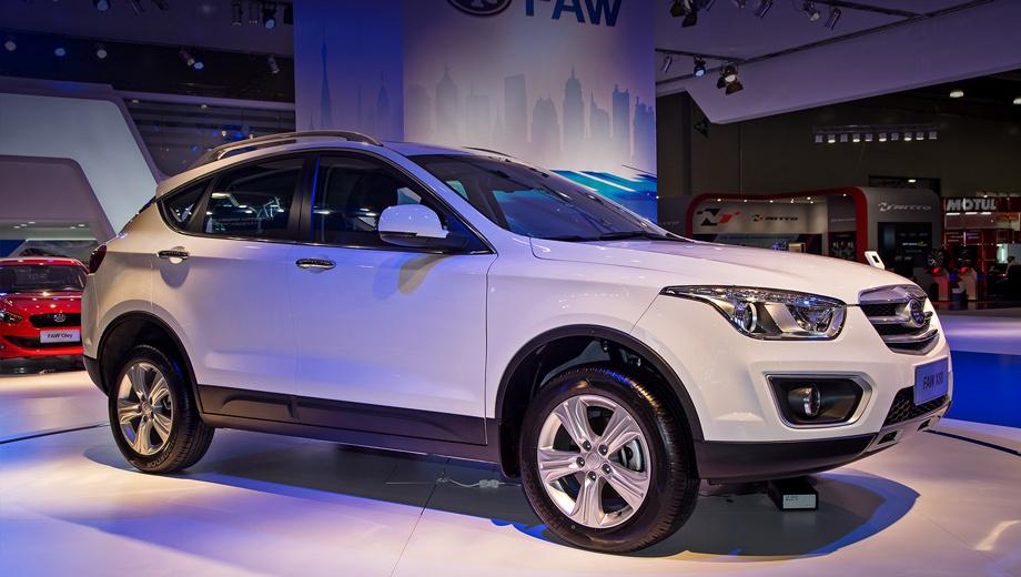Faw x80,Faw d60. Как и D60, X80 — переднеприводный, но задняя подвеска — многорычажная.