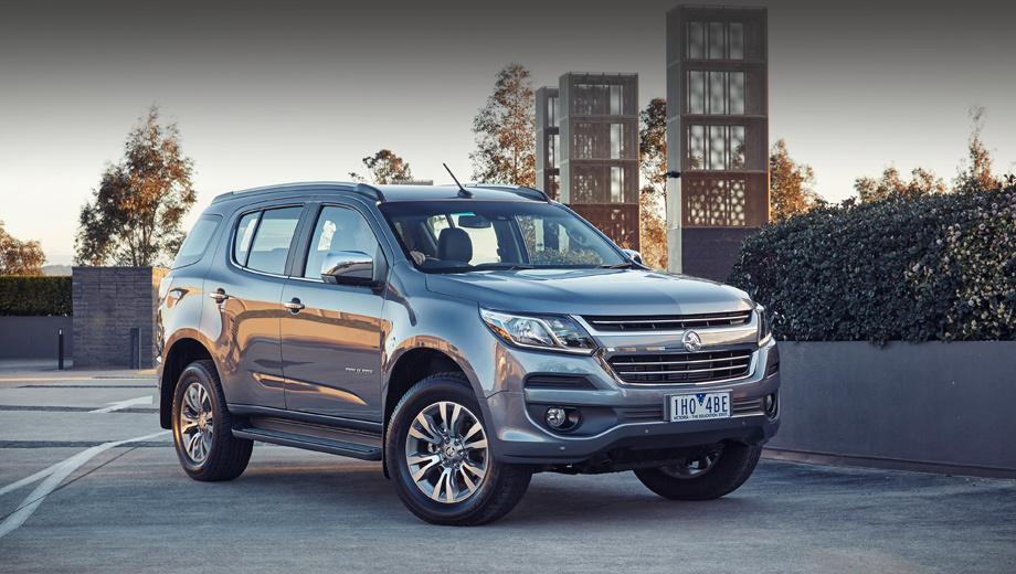 Chevrolet trailblazer. Новые решётка радиатора, бампер, фары со светодиодными дневными ходовыми огнями сделали модель гармоничнее и, пожалуй, солиднее на вид.