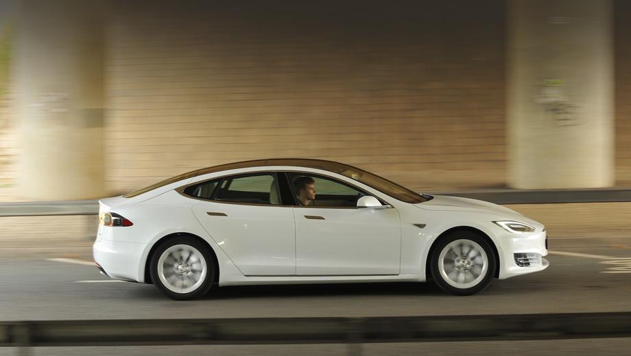 Tesla model s,Tesla model x. Все ключевые изменения в автопилоте и системе аварийного торможения электромобилей с радаром доступны для обновления «по воздуху», так как модернизация «железа» не потребовалась.