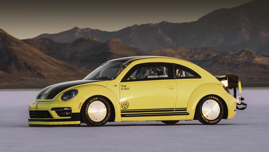 Volkswagen beetle. Рекорд установлен на высохшем соляном озере Бонневилль в Юте. Он тем более удивителен, что Beetle — далеко не самый обтекаемый автомобиль в нынешней гамме Фольксвагенов.