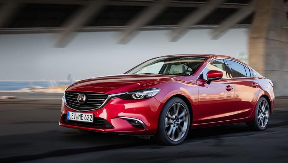 Mazda 6. Внешне отличить обновлённые Мазды 6 от дорестайлинговых не получится, японцы на этот раз не стали ничего подправлять в экстерьере.