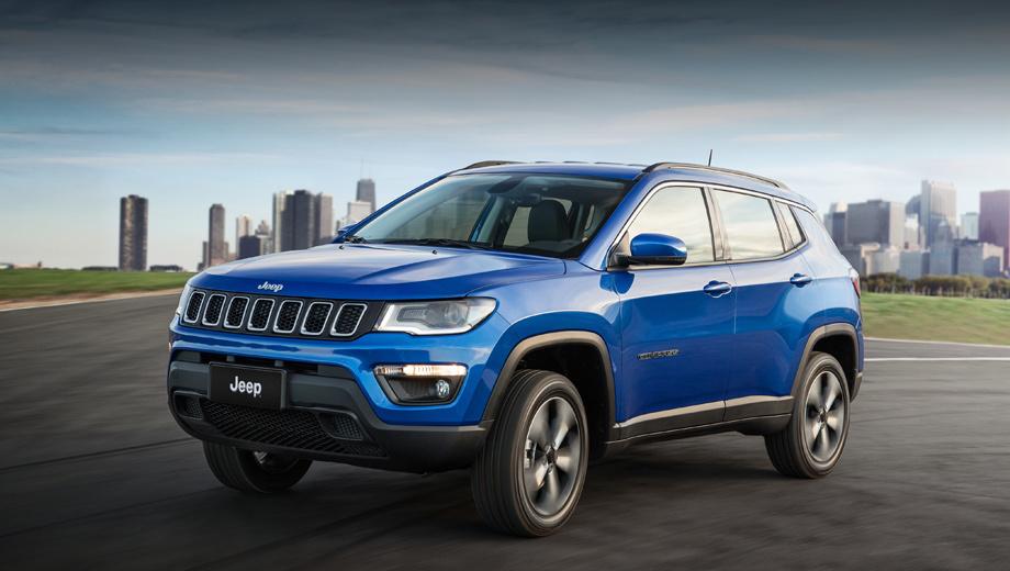 Jeep compass. Выпуск новичка стартовал на заводе в бразильском муниципалитете Гояна. Позже география производства расширится (известно как минимум о выпуске в Мексике). Фирма будет продавать модель более чем в 100 странах.