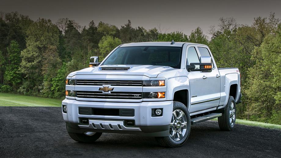 Chevrolet silverado. Новый двигатель будет устанавливаться только на пикапы в модификации Heavy Duty.             Внешне машины с усовершенствованным мотором никак не будут отличаться от нынешних.