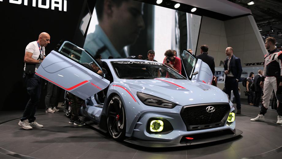 Hyundai rn30. Такие двери в серию, конечно, не пойдут, но для шоу-кара — то что надо, выглядят эффектно.