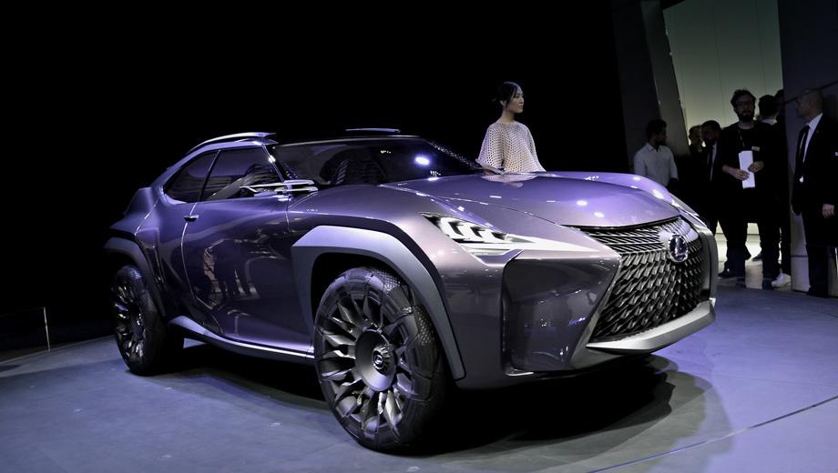 Lexus ux,Lexus concept. Внешность концепта гораздо смелее, чем у нынешних серийных Лексусов. Но не исключено, что японцы отважатся запустить UX в производство с такими интерьером и экстерьером.