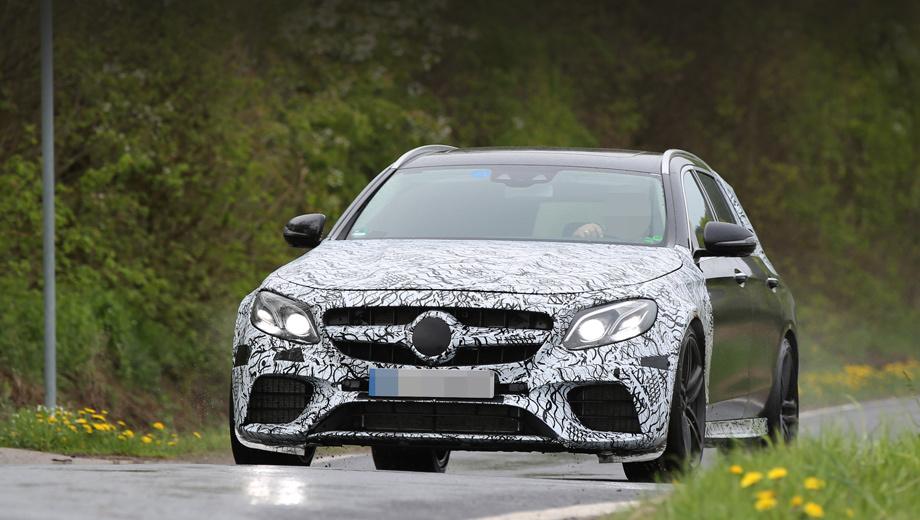 Mercedes e amg. Модель E 63 появится с несколькими кузовами (на этом снимке — универсал). Премьера состоится в январе на Детройтском автошоу.