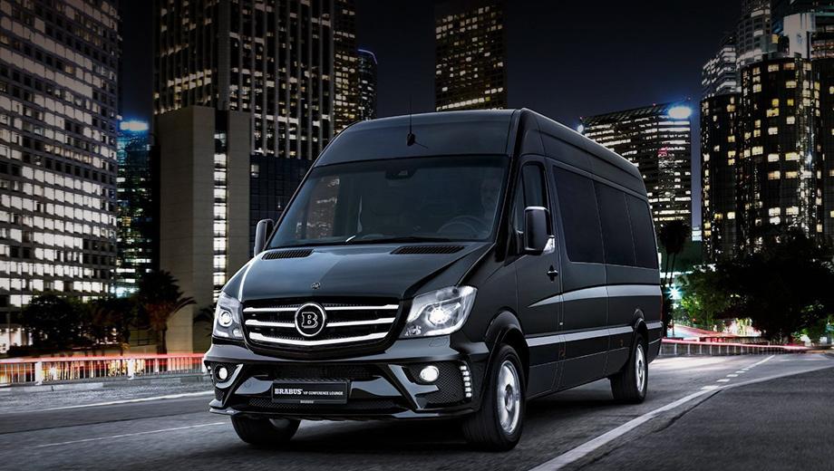 Mercedes sprinter. Внешние отличия минимальны — другие бамперы, оригинальные по дизайну 18-дюймовые колёсные диски и биксеноновые фары.