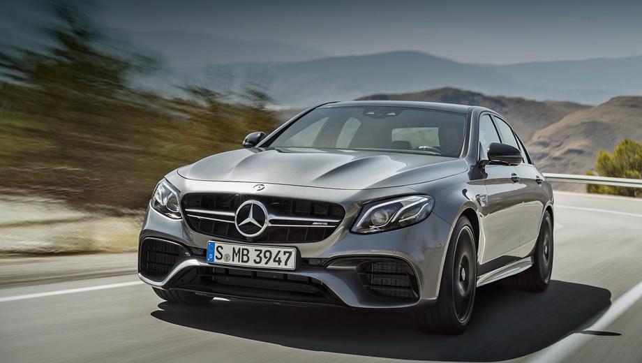 Mercedes e,Mercedes e amg. Внешние отличия «горячей» версии от стандартных — другая решётка радиатора, модифицированные бамперы, чёрные корпуса зеркал заднего вида, спойлер на крышке багажника.