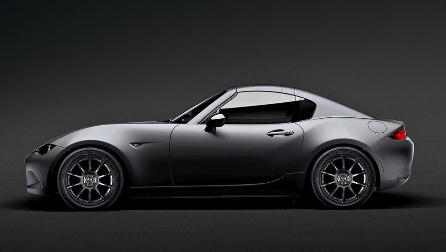 Mazda mx-5. Концепт Kuro (название означает «уголь» на японском языке) — это серийная версия Mazda MX-5 RF, которая появится в продаже в начале следующего года. В шоу-кар её превратили полуматовый «металлик», кованые диски Rays и шины BFGoodrich g-Force Rival (215/45 R17).