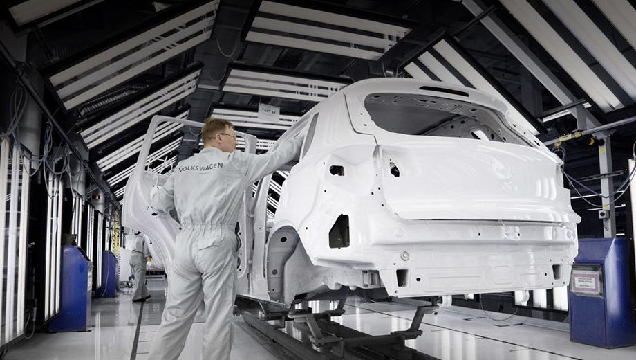 Volkswagen tiguan. Водители, успевшие купить бракованные паркетники, уже обращаются к официальным дилерам. Многие машины не успели проехать даже 300 км.