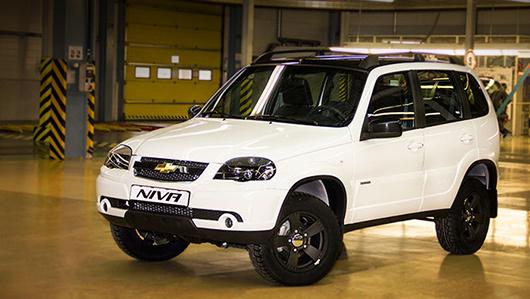 Chevrolet niva. Пока есть только одно официальное изображение машины. Внедорожники из лимитированной серии обуты в шины Cordiant ALL Terrain размерностью 215/65 R16.