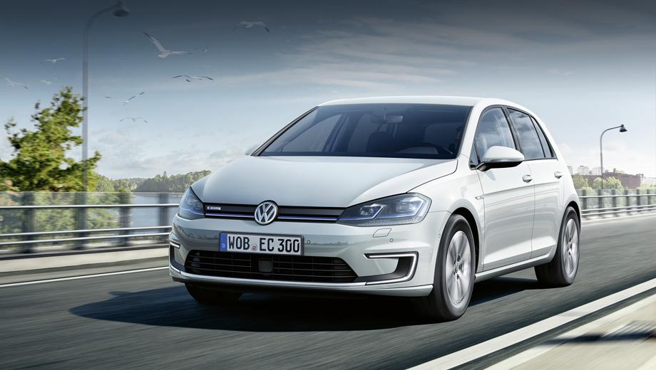 Volkswagen golf,Volkswagen e-golf. Дизайн электрического Гольфа почти не поменялся, но светодиодная оптика — новая.