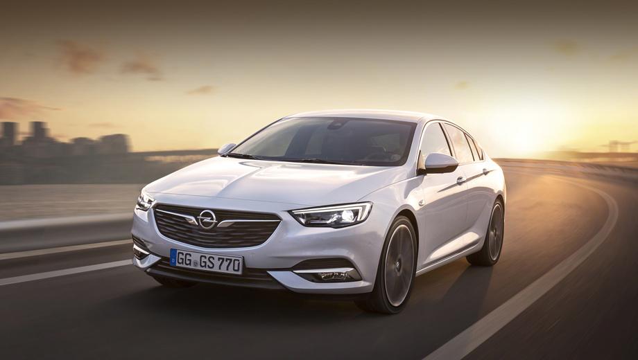 Opel insignia. Обещанное сходство с концептом Monza 2013 года слабое, разве что в контурах фар и решётки радиатора.