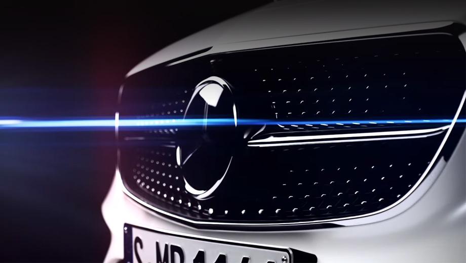 Mercedes e,Mercedes e coupe. Машине доступны такие приятные дополнения, как 1450-ваттная аудиосистема Burmester с 23 динамиками и пневмоподвеска Air Body Control.