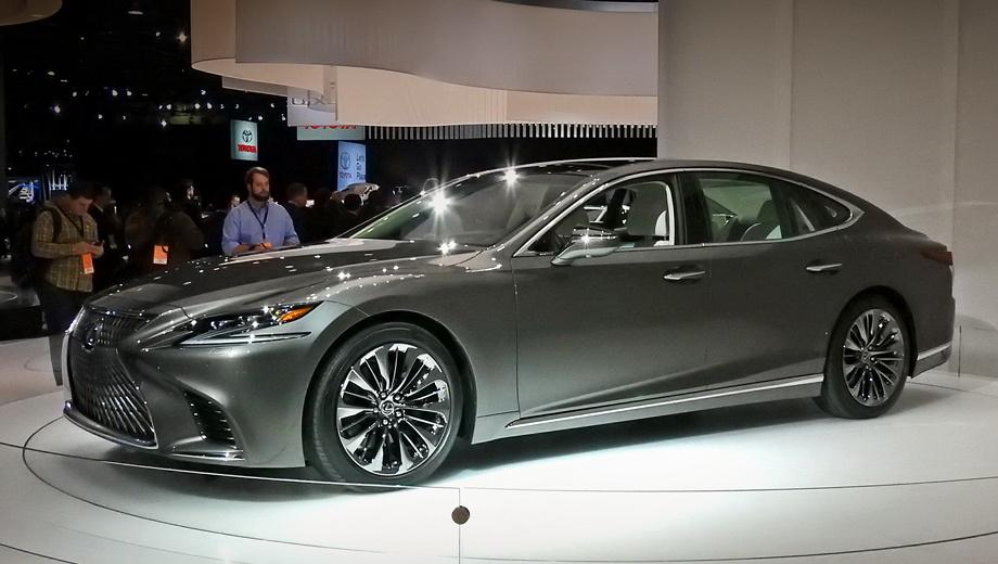 Lexus ls. У «эль-эса» уменьшились только высота (минус 15 мм, до 1450) и снаряжённая масса (−90 кг). Все остальные показатели выросли. В длину седан прибавил 55 мм (5235), в ширину — 15 (1900), колёсная база разрослась на 35 мм (3125).