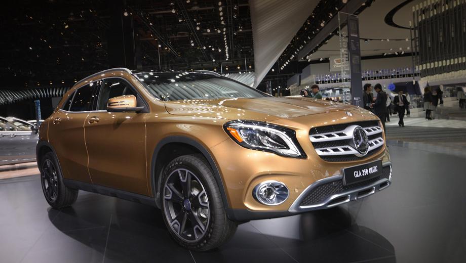 Mercedes gla. Модель впервые была представлена в 2013 году и с тех пор подвергалась лишь небольшим коррекциям в линейке моторов и оснащении. (На фото — версия 220 d в новом цвете Сanyon Beige.)