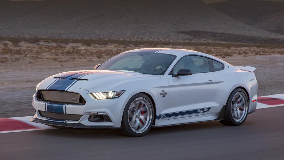 Ford mustang. Как известно, исходная модель Mustang только что пережила рестайлинг, но юбилейная «змея» построена на базе дореформенной машины.