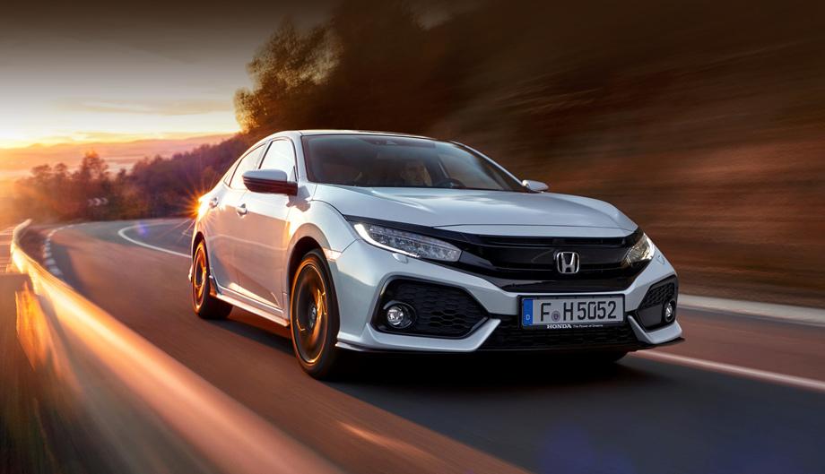 Honda civic. Длина хэтча равна 4518 мм, ширина ― 1799, высота ― 1434, база ― 2697 мм.