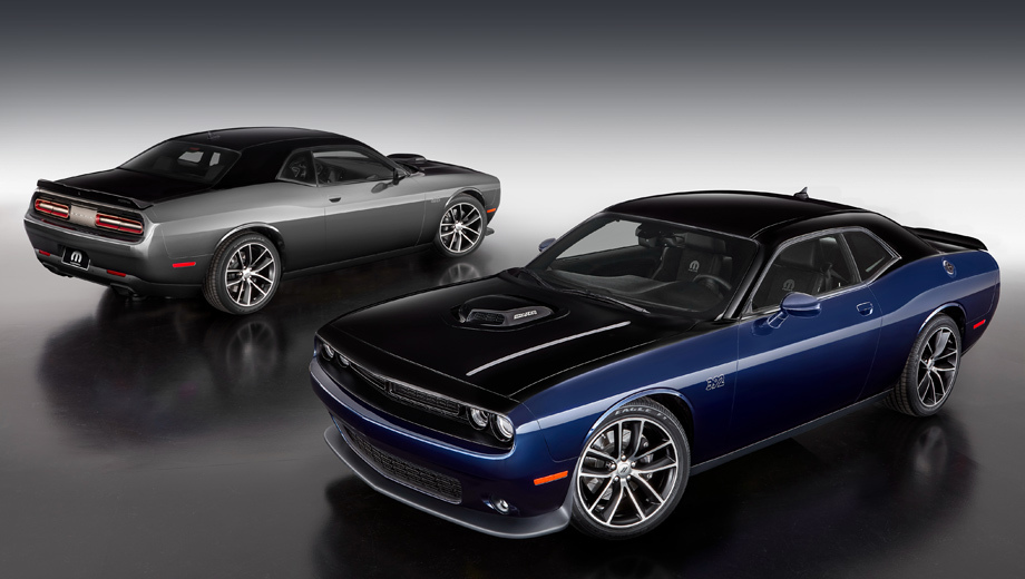Dodge challenger,Dodge ram 1500. Купе будет выпущено только в двух цветовых вариантах, каждый — по 80 экземпляров. Окраска — Contusion Blue / Pitch Black или Billet Silver / Pitch Black.