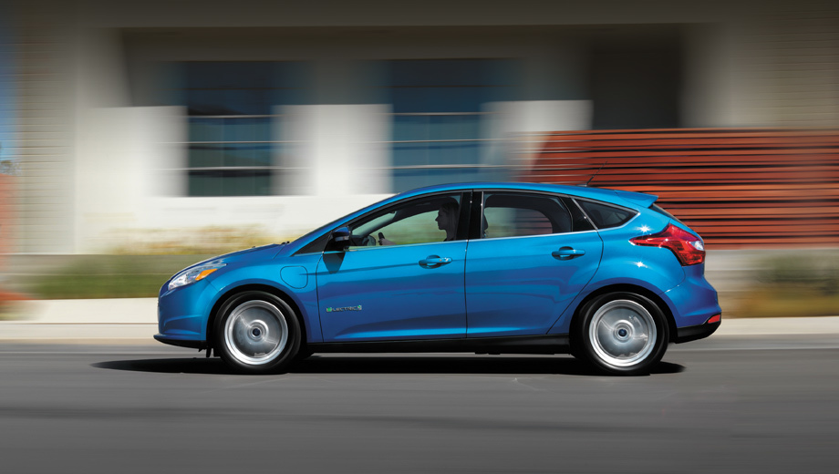 Ford focus,Ford focus electric. Электромотор остался прежним — на 145 л.с. и 250 Н•м. Максималка равна 137 км/ч, разгон до сотни — 11,4 с.