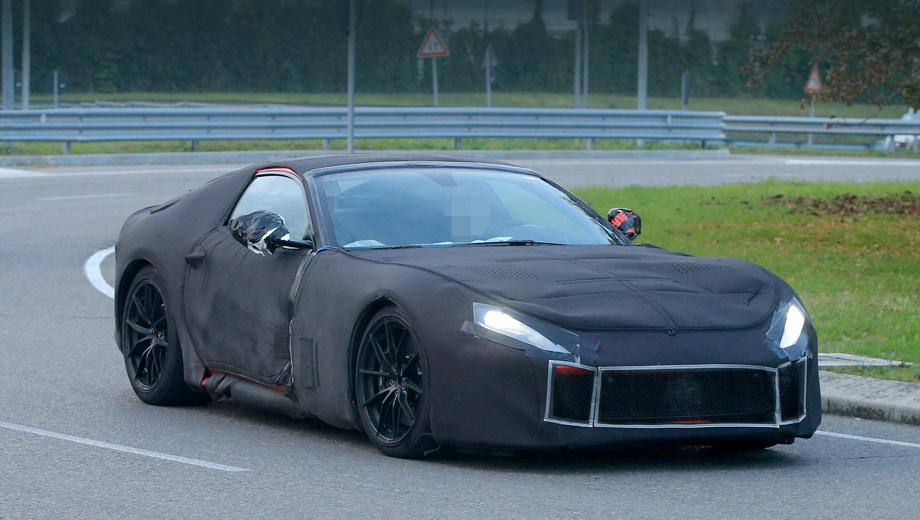 Ferrari f12,Ferrari f12 m. По словам клиентов компании, видевших прототипы, спереди модель F12 станет более агрессивной на вид, а также получит новую светодиодную оптику.
