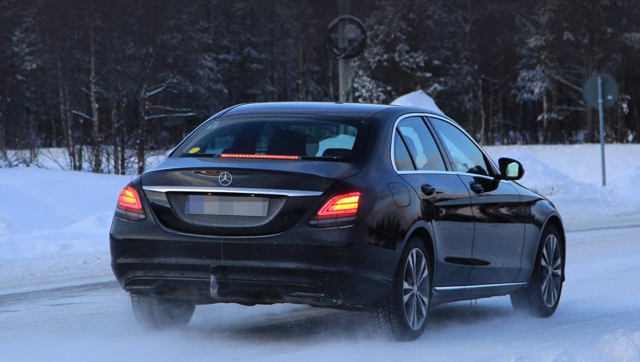 Рестайлинговый Mercedes-Benz C-класса порадовал фонарями