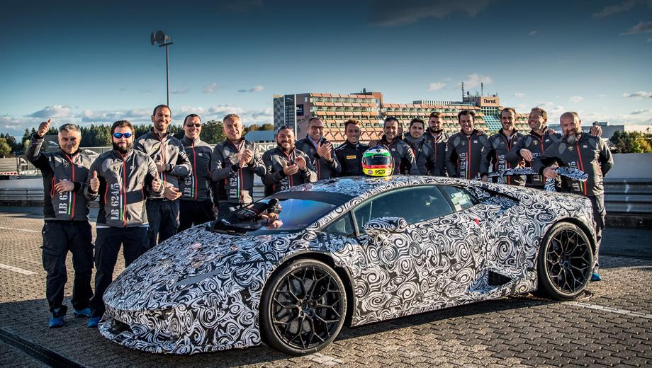Lamborghini huracan,Lamborghini huracan performante. Итальянцы рассказали, что сумели поставить рекорд в очень жёстких условиях: выделенного им времени на закрытой для прочих трассе было мало (15 минут после окончания проверки). Фактически пришлось сделать круг для разогрева шин и один зачётный. Но всё удалось!
