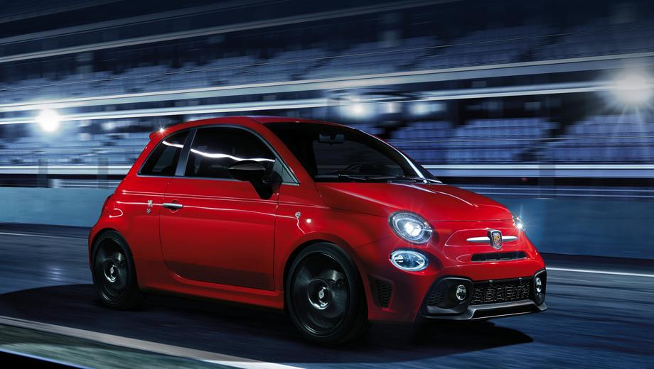 Fiat 500 abarth,Fiat 500,Fiat 124 spider,Fiat 595 abarth,Fiat abarth 695. Если уж веселить публику хэтчбеком А-класса на гоночном кольце, то таким.