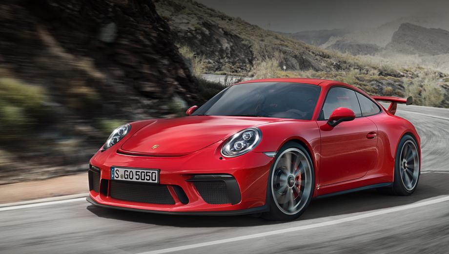 Porsche 911,Porsche 911 gt3. Изменённые бамперы и оптика «по кругу» отличают этот GT3 от машины образца 2013-го. Это не только косметика — у GT3 на 20% выросла прижимная сила (1555-160 кг на максимальной скорости), причём без вреда для обтекаемости.