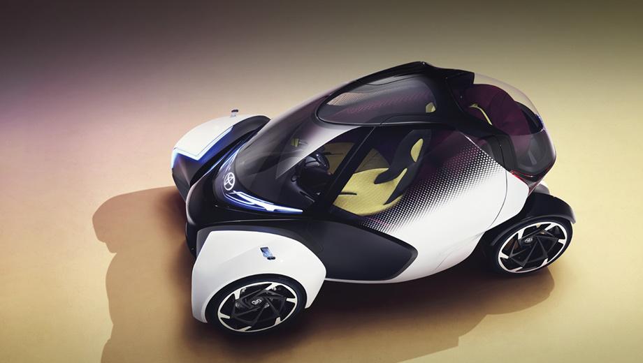 Toyota i-tril,Toyota concept. Длина — 2830 мм, ширина спереди — 1200, сзади — 600, высота — 1460. Масса машинки — около 600 кг. Передние колёса поворачиваются на 25 градусов и наклоняются в поворотах на 10° по технологии Active Lean. Задние при этом остаются строго перпендикулярными земле.