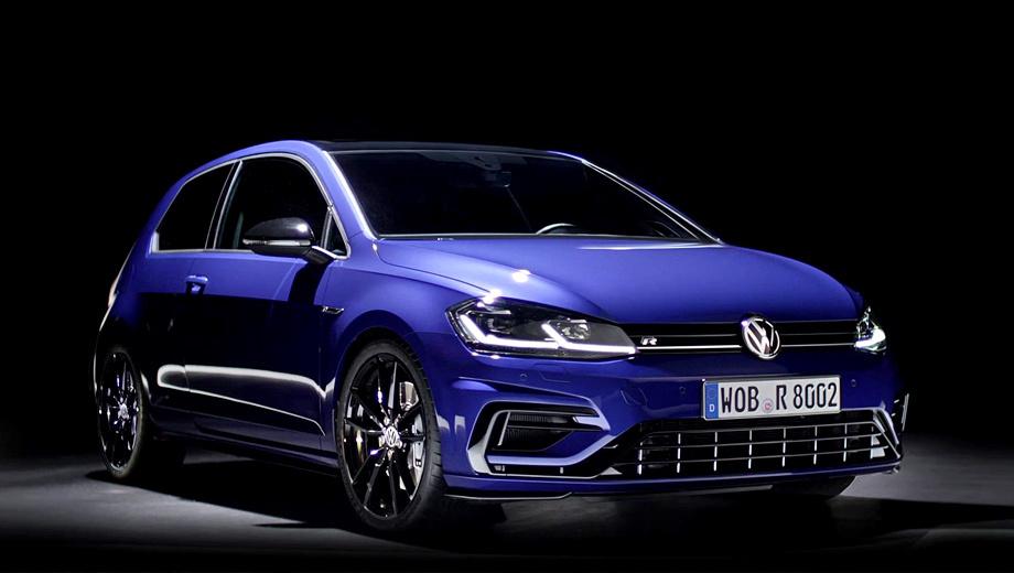 Volkswagen golf,Volkswagen golf r,Volkswagen golf r performance. Турбомотор 2.0 с 310 л.с. и 400 Н•м разгоняет Golf R Performance до 100 км/ч за 4,6 с (как и обычный Golf R). Однако держак в поворотах должен быть выше за счёт спортивных шин Michelin Pilot Sport Cup 2 размерностью 235/35 R19, натянутых на облегчённые колёса (каждый диск весит 9,6 кг).