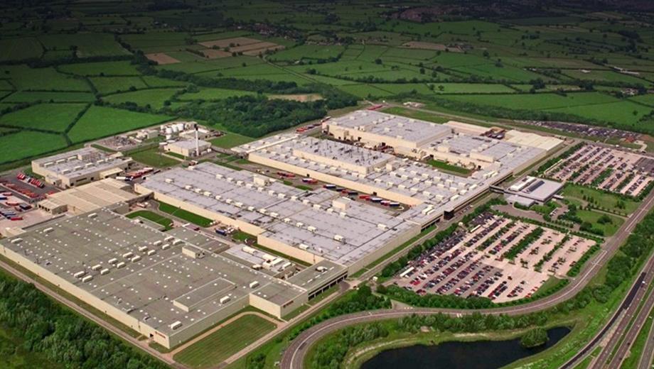 Toyota auris. Мощности в Бернастоне (на фото) и моторный завод в Северном Уэльсе были созданы в 1989 году как первые крупные производственные объекты Тойоты в Европе. С 1992-го предприятия силами 3000 человек построили более четырёх миллионов автомобилей и около пяти миллионов двигателей.