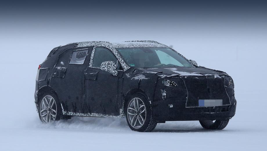 Cadillac xt4. Ранее модель XT4 фотошпионы ловили в США. Машина впервые замечена на севере Европы, близ полярного круга. Ясно, что в Старом Свете модель тоже будет продаваться.