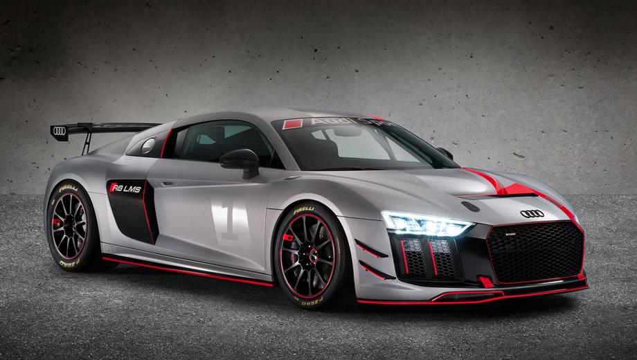 Audi r8,Audi r8 gt4. На передней оси установлены шестипоршневые суппорты, а на задней ― четырёхпоршневые. Облегчённые колёса обуты в слики Pirelli P Zero размерностью 305/645 R18 спереди и 325/705 R18 сзади.